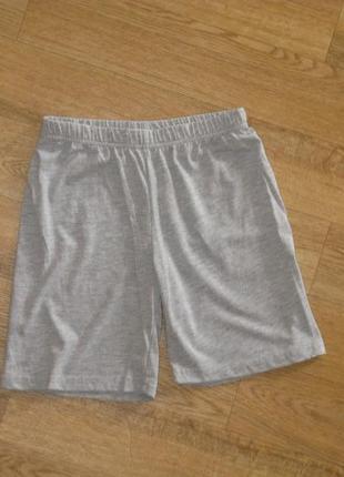 Трикотажные шорты*шорты на 8 лет