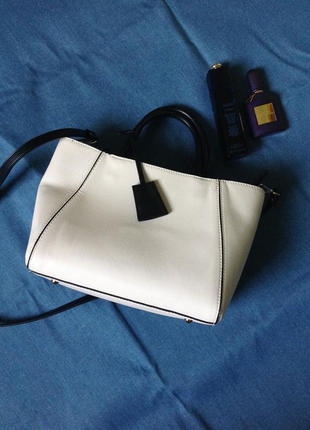 Белая сумка на лето средних размеров экокожа zara