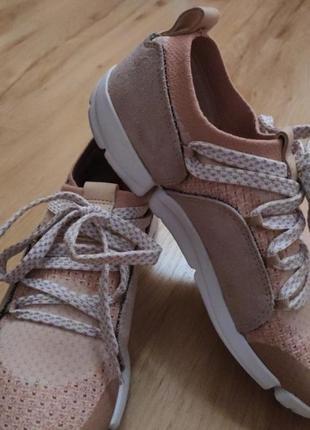 Фирменные кроссовки clarks, размер 36.