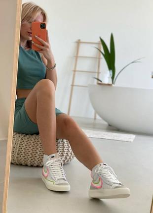 Nk blazer высокие кроссовки с нежным оттенком