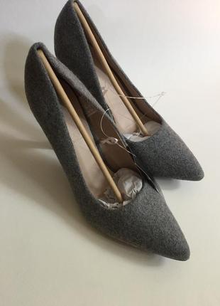 Туфли на высоком каблуке. esmara
