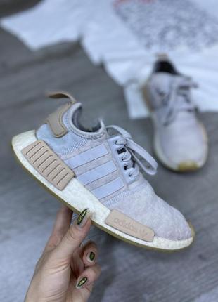 Мягчайшие популярные кроссовки adidas nmd