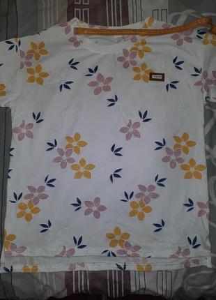 Футболка женская трикотаж 46 48 50 размеры новая новый принт цветы рисунок с рисунком р майка днепр