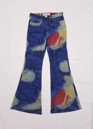 Синие джинсы клеш с принтом тай дай хиппи trailer р  s -m