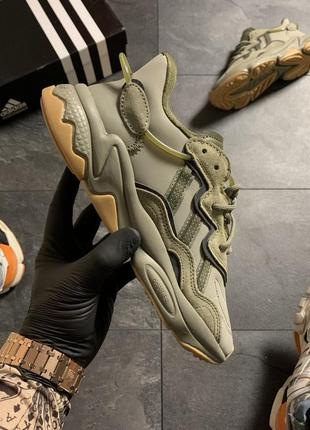 Женские кроссовки adidas ozweego green