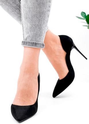 Женские туфли на шпильке чёрные9 фото