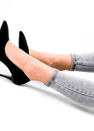 Женские туфли на шпильке чёрные10 фото