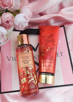 Набор спрей лосьон vanilla dusk виктория сикрет victoria's secret