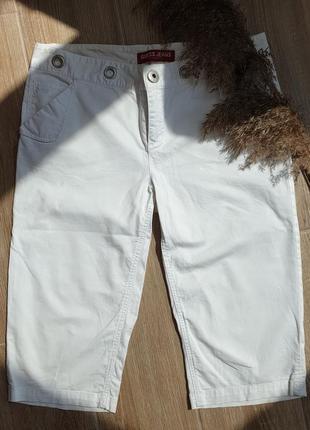 Белые летние бриджи  guess1 фото