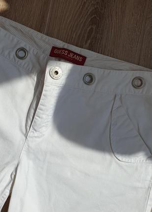 Белые летние бриджи  guess2 фото