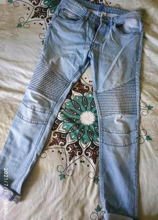 Крутые джинс,светлые ,на размер м