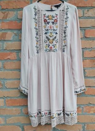 Шикарное вискозное платье с вышивкой3 фото