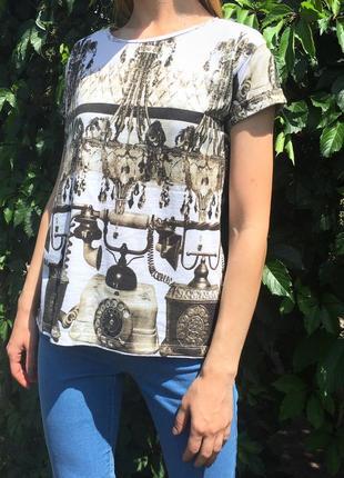Свободная хлопковая футболка оверсайз с интересным принтом