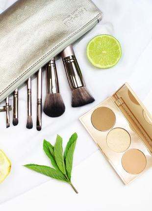 Палетка для лица - румяна, контуринг, корректор + набор кистей для макияжа