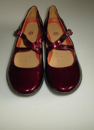 Новые кожаные лаковые туфли clarks unstructured р 38,5 (uk 5,5), стелька 24,8 см
