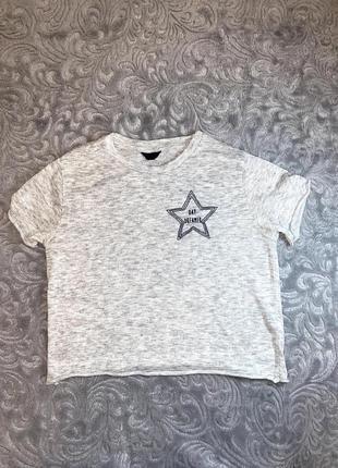 Белая кропнутая футболка