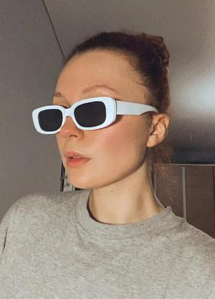 Тренд белые узкие очки солнцезащитные ретро прямоугольные окуляри білі сонцезахисні