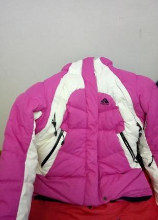 Зимняя лыжная куртка пуховик nike