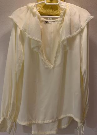 Блуза 36 лимонного оттенка с кружевами, симпатичная