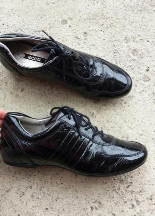 Р.39 ecco (оригинал) кожаные туфли кроссовки.