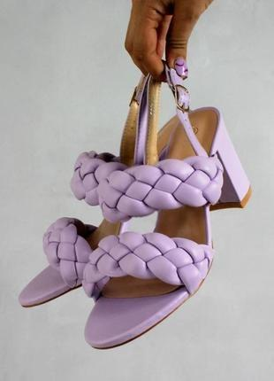 Женские босоножки на каблуке  плетенка тренд сезона