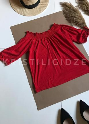 Красный джемпер блузка с открытыми плечами р.xs. распродажа