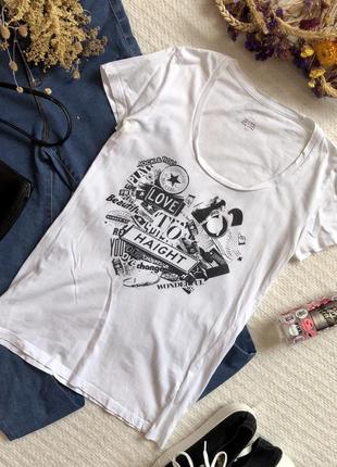 Белая футболка с рисунком в подарок