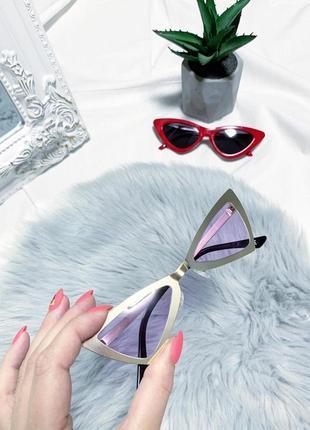 Новые ассиметричные очки в золотой оправе с лиловыми стёклами 👓