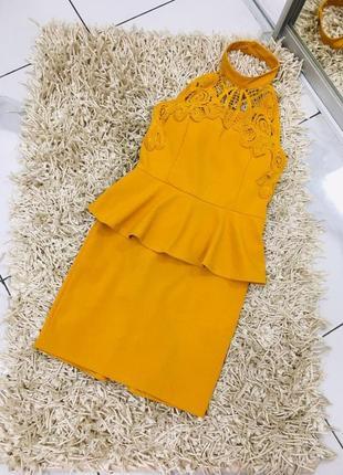 Шикарное итальянское кружевное платье с баской италия