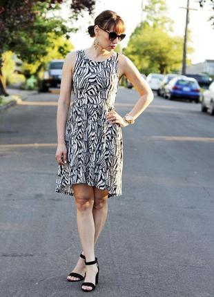 H&m платье в зебры
