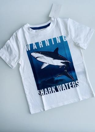H&m футболка с акулой на 2-4 годика