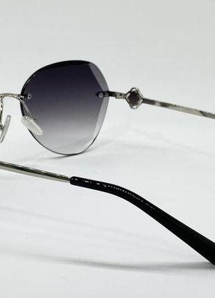 Женские солнцезащитные очки серые линзы с градиентом безоправные с цепочкой5 фото