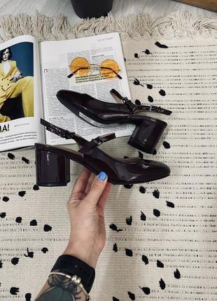Туфельки шоколадного кольору з актуальним каблуком від marks&spencer🌿