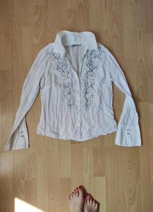 Лёгкая блуза с вышивкой