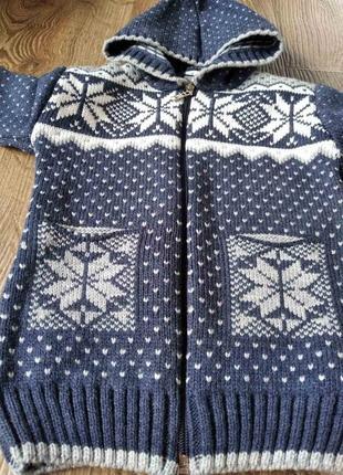 Теплый свитер на 2 - 3 года4 фото