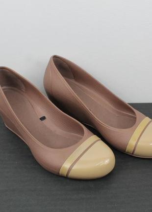 Оригинальные туфли crocs