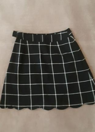 Стильная юбка с волнообразным низом