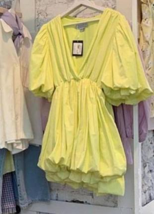 Котоновое платье с пышной юбкой