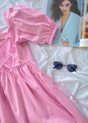 Котоновое платье на завязках на спинке