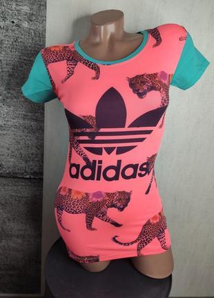Женская футболка 2826