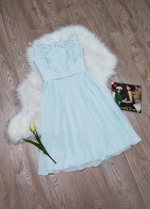 Женское нарядное нежное кружевное платье сукня