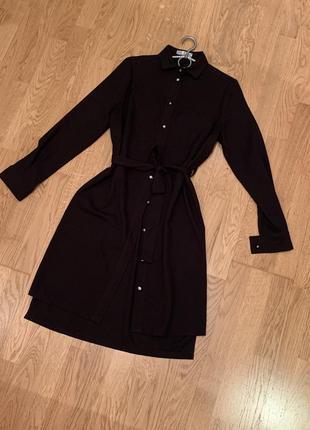 Платье чёрное на пуговицах с поясом
