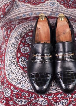 Лоферы henderson, италия 43 мужские туфли черные крокодил