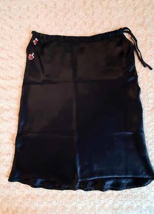 Чёрная, атласная юбка armani