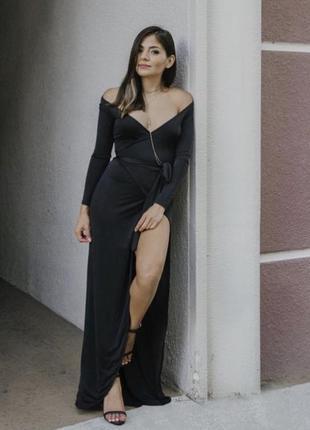 Довге плаття на запах чорного кольору