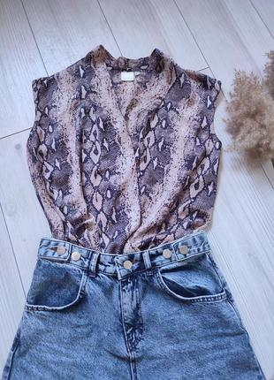 Легкая блузка на запах in wear
