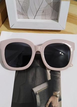 Классные солнцезащитные очки нежно розовые большие ретро окуляри сонцезахисні