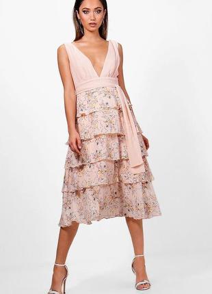 🔥безупречное пудровое платье миди с воланами и v-декольте boohoo