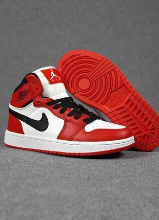 Кроссовки женские nike air jordan 1 retro high red