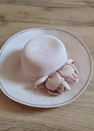 Красивенная соломенная шляпа